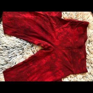 Very cute red wings leggings!